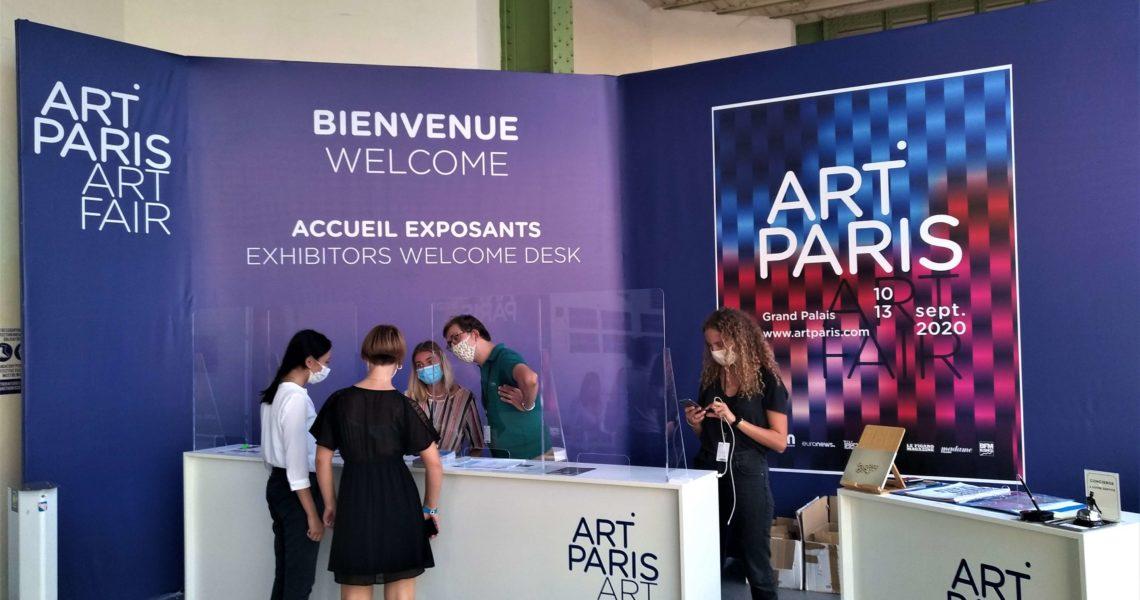 Grand panneau signalétique d'Art Paris